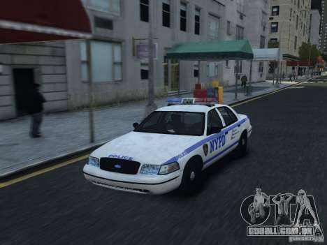 Ford Crown Victoria NYPD 2012 para GTA 4 vista interior