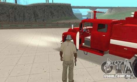 ZIL-130 fogo para GTA San Andreas vista traseira