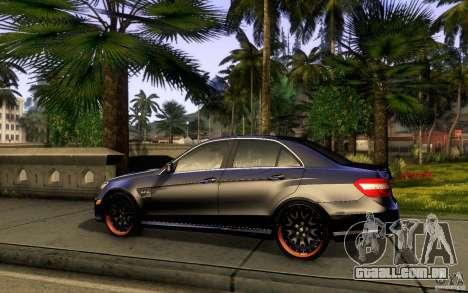 Mercedes Benz E63 DUB para GTA San Andreas traseira esquerda vista