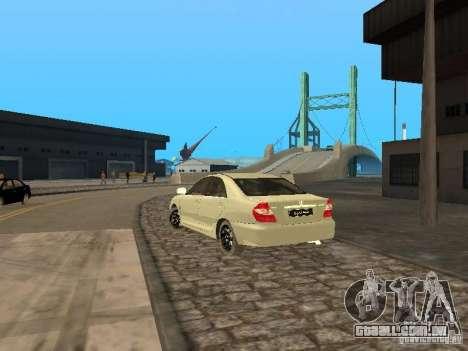 Toyota Camry 2003 para GTA San Andreas traseira esquerda vista