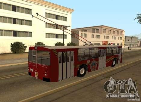 ZiU 682 para GTA San Andreas vista traseira