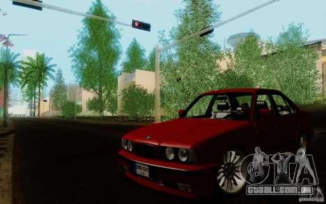 BMW E34 540i Tunable para GTA San Andreas traseira esquerda vista