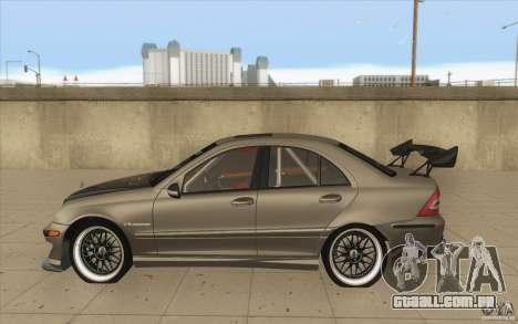 Mercedes-Benz C32 AMG Tuning para GTA San Andreas esquerda vista