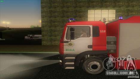 Homem TGL Riga FC para GTA San Andreas esquerda vista