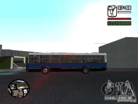 Ikarus 415.02 para GTA San Andreas vista traseira