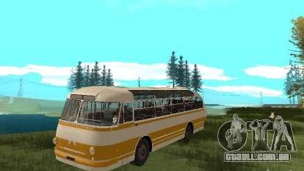 LAZ 695E para GTA San Andreas