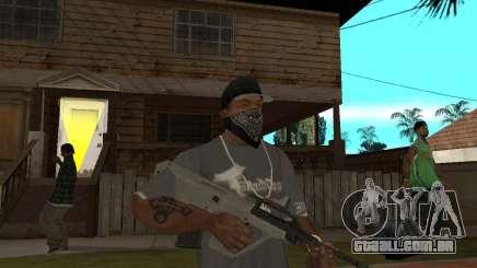 Manuel AUG com um olho para GTA San Andreas