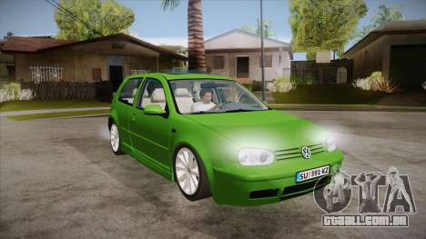 Volkswagen Golf Mk4 para GTA San Andreas vista traseira