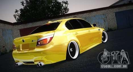 BMW M5 Gold para GTA San Andreas esquerda vista