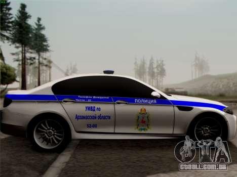 BMW M5 F10 ESCRITÓRIO INTERIOR para GTA San Andreas esquerda vista
