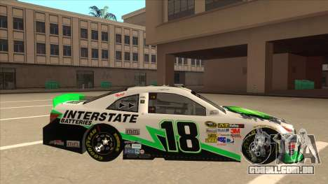Toyota Camry NASCAR No. 18 Interstate Batteries para GTA San Andreas traseira esquerda vista