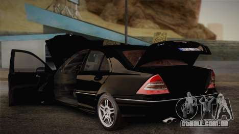 Mercedes-Benz C32 AMG 2004 para vista lateral GTA San Andreas