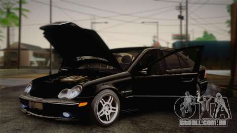 Mercedes-Benz C32 AMG 2004 para GTA San Andreas vista interior