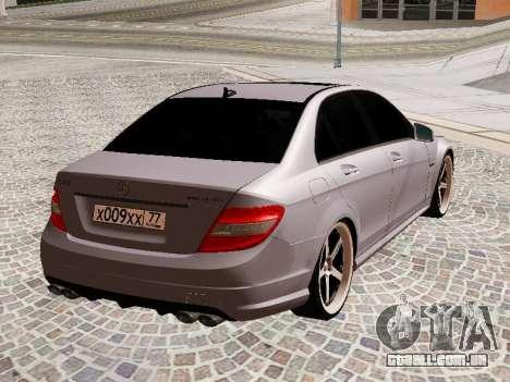 Mercedes-Benz C63 para GTA San Andreas vista direita