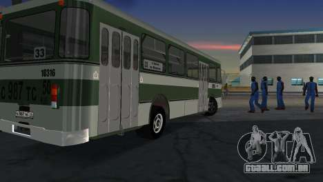LIAZ 677 para GTA Vice City vista traseira esquerda