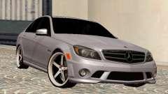 Mercedes-Benz C63 седан para GTA San Andreas