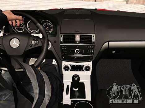 Mercedes-Benz C63 AMG HQLM para GTA San Andreas interior