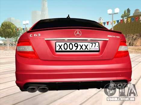 Mercedes-Benz C63 AMG HQLM para GTA San Andreas vista direita