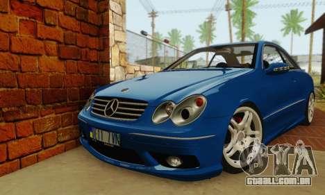 Mercedes-Benz CLK55 AMG 2003 para GTA San Andreas esquerda vista