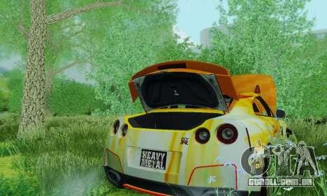 Nissan GTR Heavy Fire para GTA San Andreas vista traseira