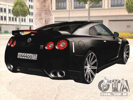 Nissan GTR-R35 Spec-V para GTA San Andreas vista direita