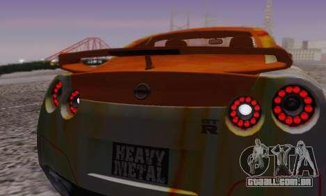 Nissan GTR Heavy Fire para GTA San Andreas interior