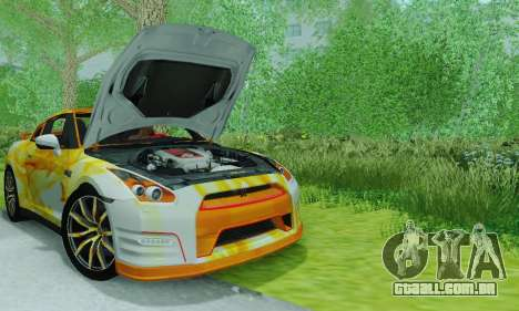 Nissan GTR Heavy Fire para GTA San Andreas vista direita