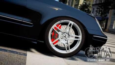 Mercedes-Benz E320 para GTA 4 vista direita