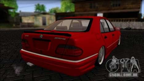 Mercedes-Benz W210 E55 para GTA San Andreas esquerda vista