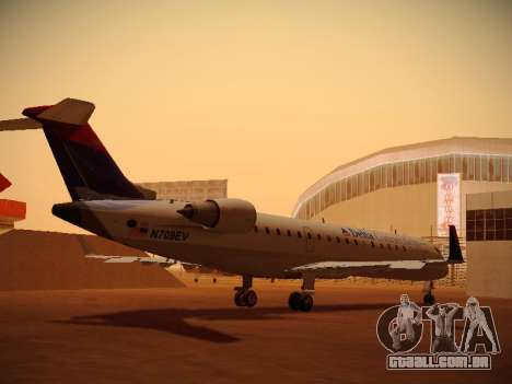 Bombardier CRJ-700 Delta Connection para GTA San Andreas vista direita