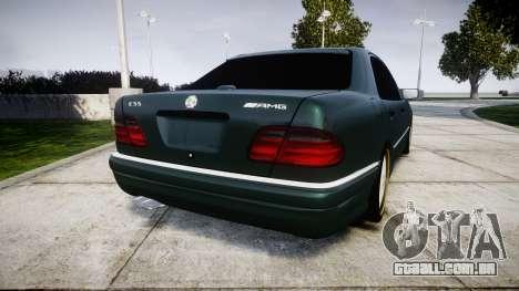 Mercedes-Benz W210 E55 2000 AMG para GTA 4 traseira esquerda vista