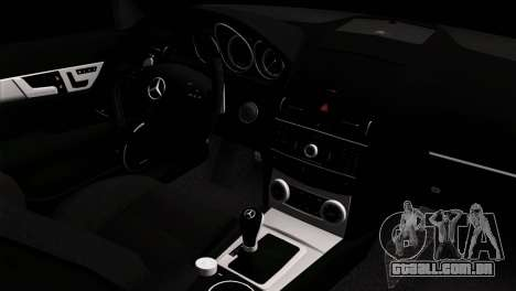Mercedes-Benz C63 AMG para GTA San Andreas vista direita