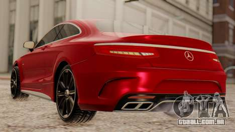 Mercedes-Benz S63 Coupe para GTA San Andreas vista direita
