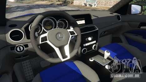 GTA 5 Mercedes-Benz C63 AMG 2012 LCPD vista lateral direita