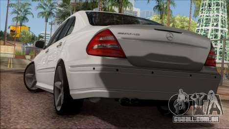Mercedes-Benz E55 W211 AMG para GTA San Andreas vista direita