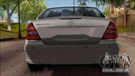 Mercedes-Benz E55 W211 AMG para GTA San Andreas vista traseira