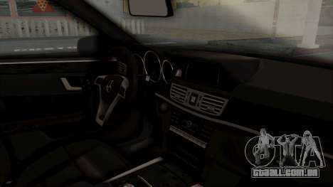 Brabus B900 para GTA San Andreas vista direita