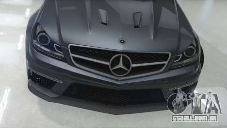 GTA 5 Mercedes-Benz C63 AMG v1 vista lateral esquerda