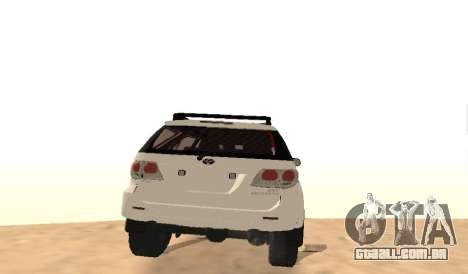 Toyota Fortuner 4WD 2015 Rustica para GTA San Andreas vista direita