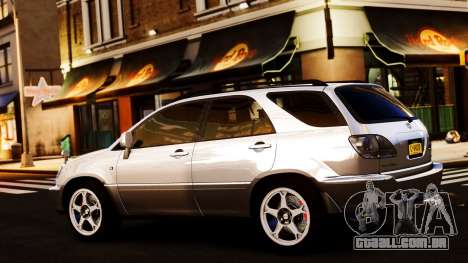 Toyota Harrier para GTA 4 vista direita