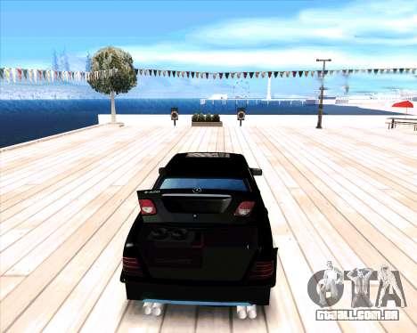 Mercedes Benz E-Class para GTA San Andreas vista direita