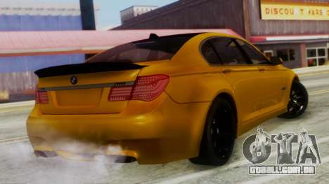 BMW 750Li M Sport para GTA San Andreas esquerda vista