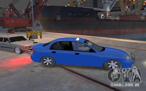 Daewoo Lanos Taxi para GTA 4 vista de volta