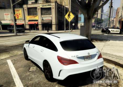 GTA 5 Mercedes-Benz CLA 45 AMG Shooting Brake traseira vista lateral esquerda