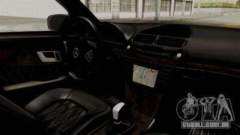 Mercedes-Benz E320 para GTA San Andreas vista interior