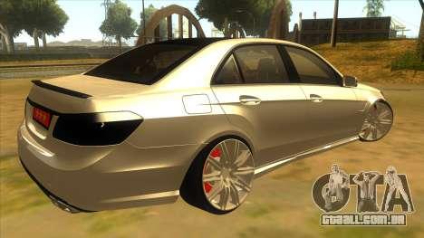 Mercedes Benz E250 Ferramenta De Autoridade para GTA San Andreas vista direita
