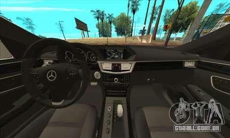 Mercedes-Benz E63 AMG 2014 para GTA San Andreas vista direita