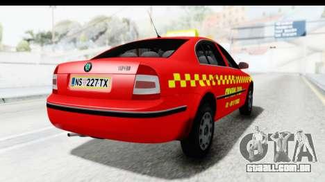 Skoda Superb Táxi Vermelho para GTA San Andreas esquerda vista