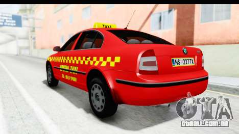 Skoda Superb Táxi Vermelho para GTA San Andreas traseira esquerda vista