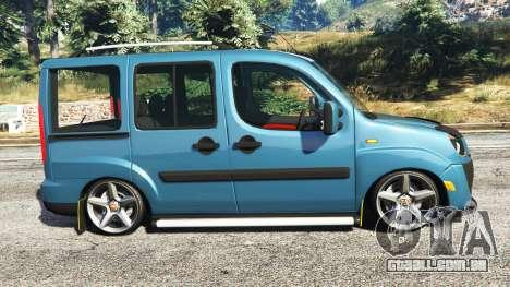 GTA 5 Fiat Doblo vista lateral esquerda